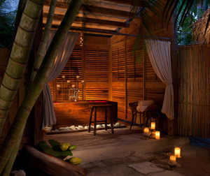 201406-w-outdoor-showers-little-palm-island-resort-and-spa