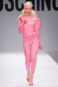 moschino-spring-2015-runway-barbie-workout-barbie-h724