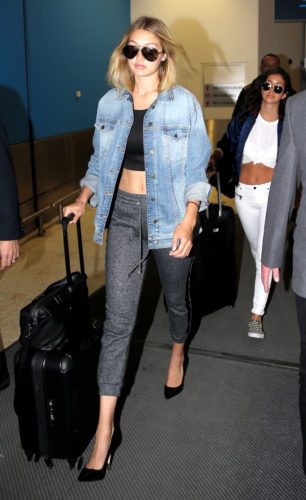 SYDNEY, AUSTRALIA - AUGUST 3: (EUROPE AND AUSTRALASIA OUT) American model Gigi Hadid arrives in Sydney, New South Wales via QF12. (Photo by John Grainger/Newspix/Getty Images)
