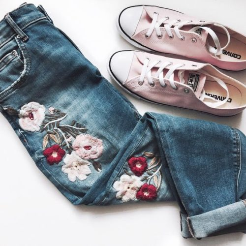 Mom fit jeans top trends style fashion culture